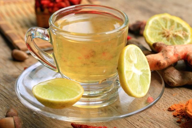 «Лимонная вода с куркумой: стакан утром, и весь день сияю. Всем простого человеческого счастья!»
